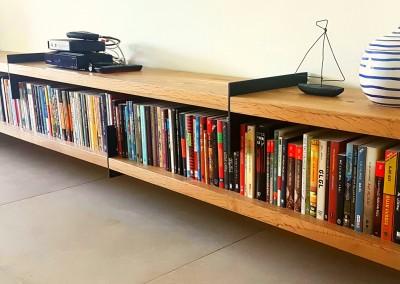 גם שידה וגם ספרייה