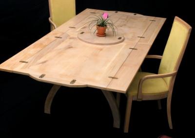 Folding dining table, solid oak (open)